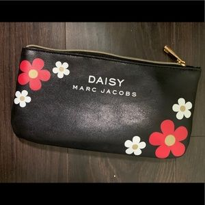 Marc Jacob daisy make up pouch